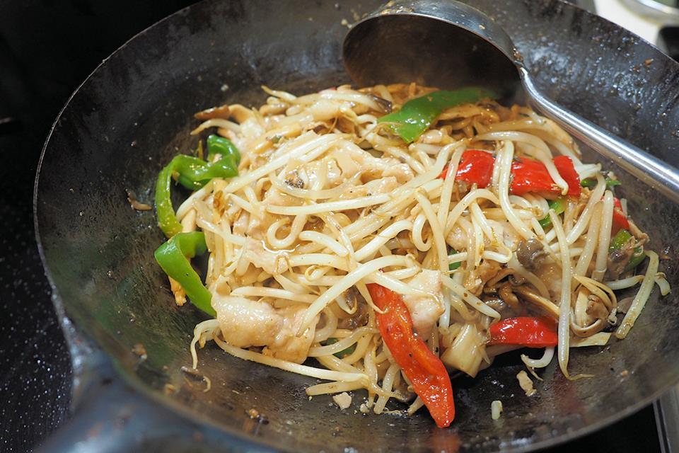 中華鍋でつくる、鉄鍋伝道師流「俺の野菜炒め」