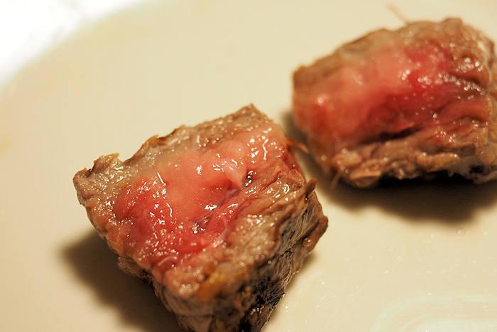 焼きすぎることもなくちゃんとした「ステーキ」に!絶妙な火入れになりました。